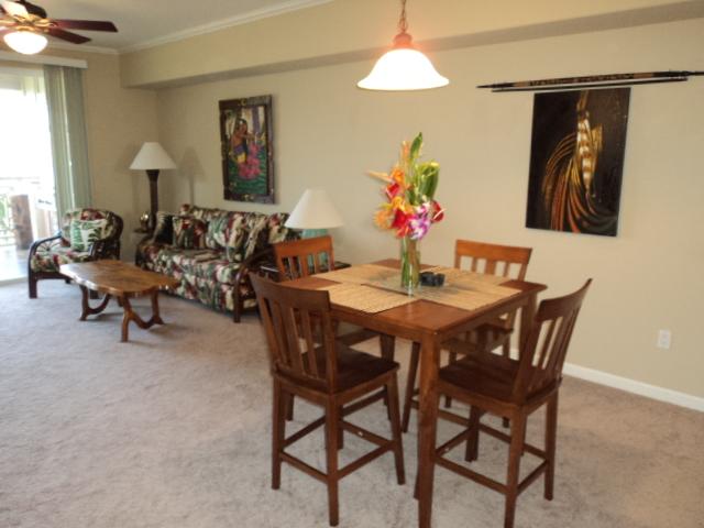 Living room / dining area of Waikoloa Beach Resort Condo Vacation Rental in Hawaii